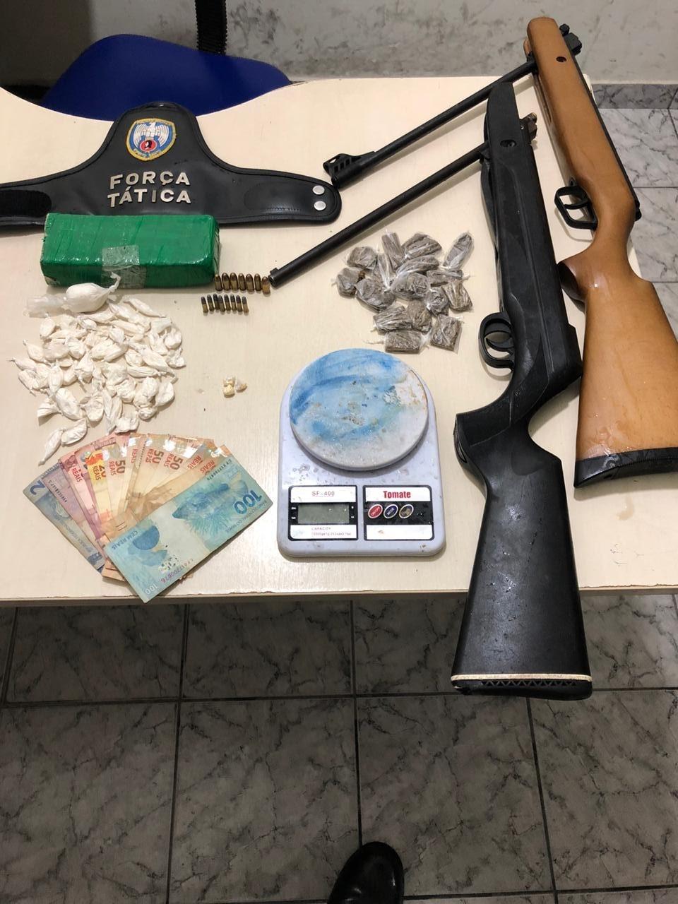Policiais do 13º BPM realizam apreensão de armas e drogas no balneário de Guriri e na Vila de Itaúnas 3