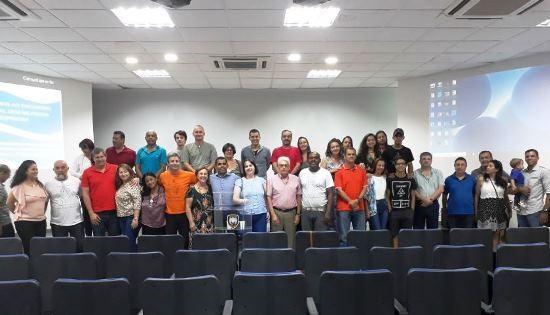 "Militares e civis na palestra ""Espiritualidade na PMES"""